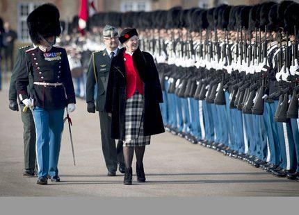 Drottning Margrethe hälsade på hos livgardet