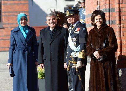 Turkiska presidentparet hälsas välkomna till Sverige