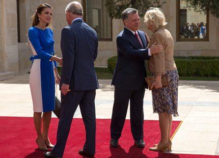Charles och Camilla hälsar på hos kungaparet i Jordanien