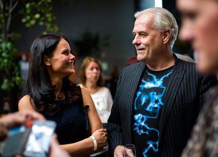 Sofia Hellqvist pratade välgörenhet med Glenn Hysén