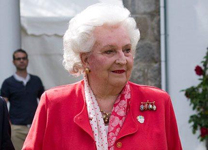 Kungens syster representerade kungahuset i eldigt rött