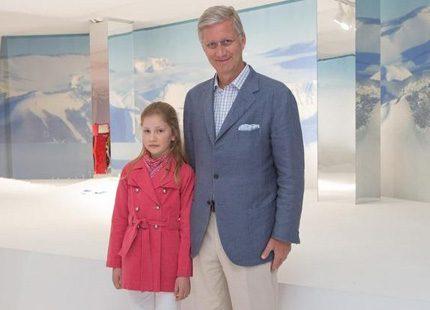 Prinsessan Elisabeth ute med pappa