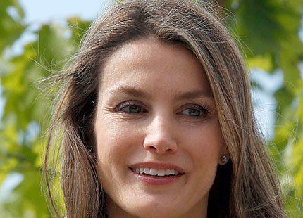 Kronprinsessan Letizia ute på kungligt uppdrag