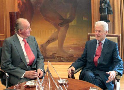 Clinton mötte kungligheter i Madrid