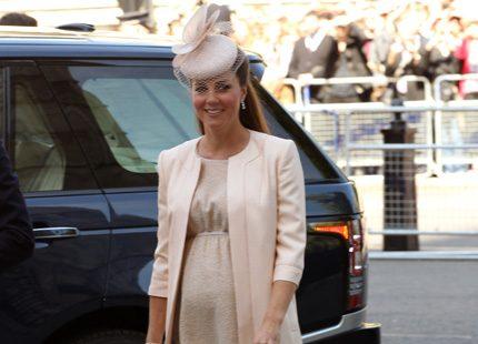 Kates outfit av Jenny Packham - mer på Kungliga modebloggen