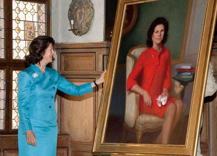 Drottning Silvia avtäckte nytt porträtt