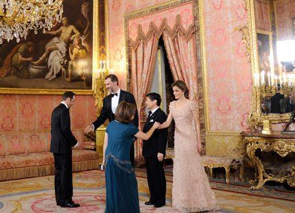Bildspel: Prins Felipe och prinsessan Letizia gick pilgrimsvandring