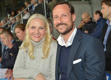 Mette-Marit och Haakon på nya frimärken
