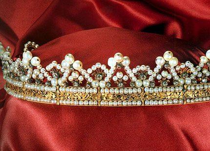 Kungliga juveler med spännande historia
