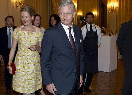 Snygga kronprinsessan Mathilde lyste i solgul klänning