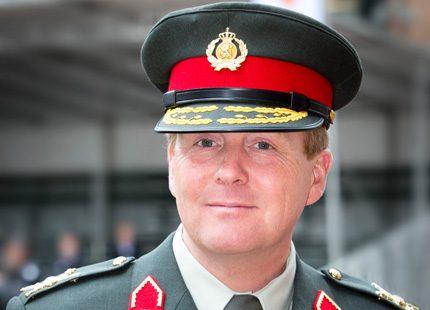 Kung Willem-Alexander hedrade krigsveteraner