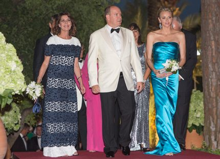 Charlene och Albert på bal med Caroline