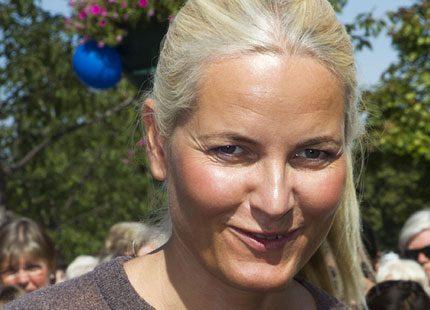 Kronprinsessan Mette-Marit shoppade ekologiska grönsaker