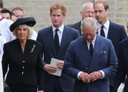 Prinsar på begravning i England