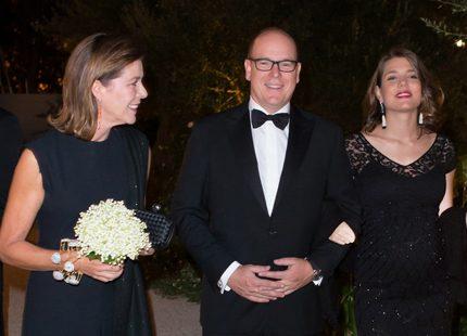 Albert och Caroline på gala med Charlotte