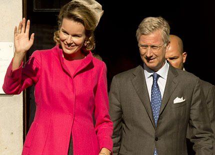 Eupen fick besök av drottning Mathilde i karamellrosa