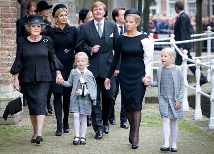 Holländska kungafamiljen på minnesgudstjänst för Johan Friso