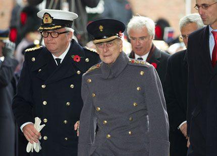 Prins Philip av England och prins Laurent av Belgien på minnesstund