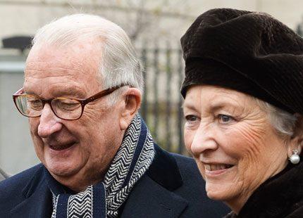 Belgiska kungafamiljen tillsammans på gudstjänst