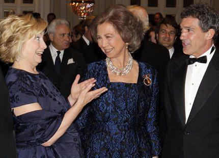 Sofia av Spanien minglade med Antonio Banderas