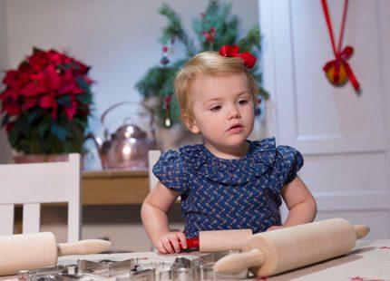 God Jul säger prinsessan Estelle!