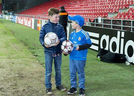 Prins Christian träffade spelarna i Real Madrid