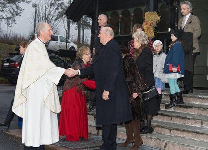 Även norska kungafamiljen på kyrkbesök