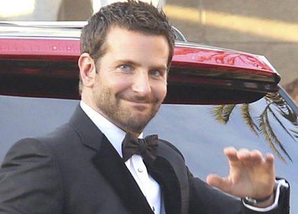 Bradley Cooper visar upp nya kärleken