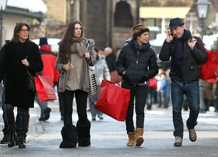 Hela Monacofamiljen på shoppingtur i Gstaad