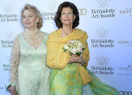 Kungaparet, kronprinsessan och Marianne Bernadotte på gala