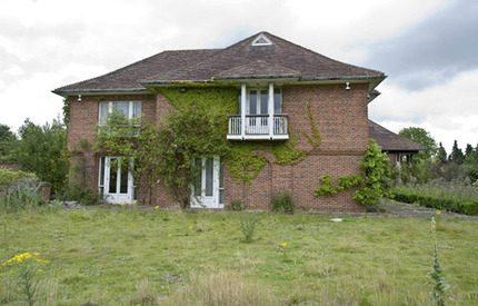 Prins Andrew och Sarah Fergusons gamla hem i ruiner