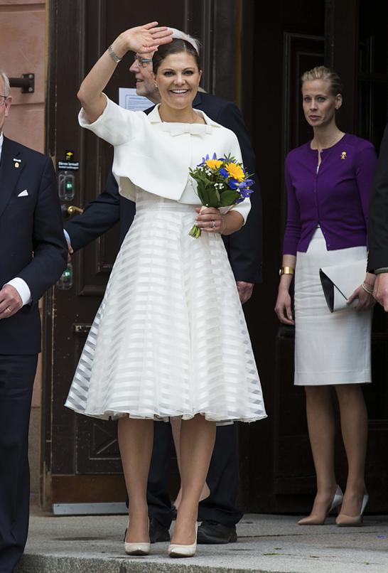 4d989c4c531e Såhär snygg var Victoria på nationaldagen, iklädd klänning från Lindex.