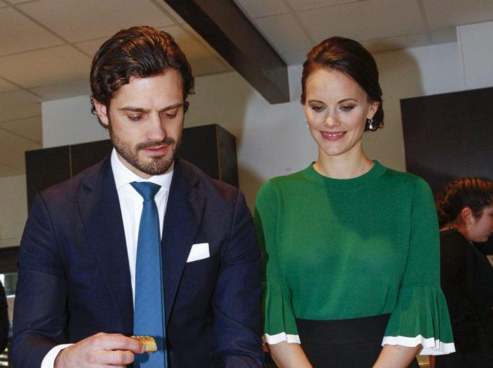 Prins Carl Philip och prinsessan Sofia besökte Husby under mars 2017.