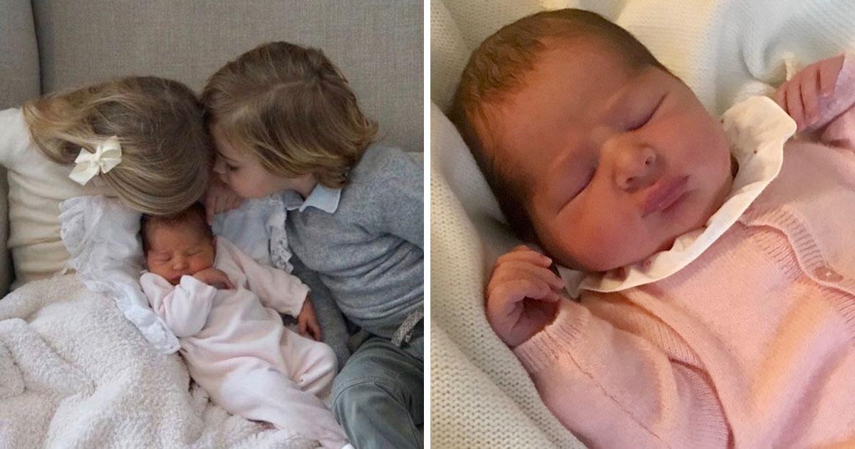 Adriennes första bebisoutfits