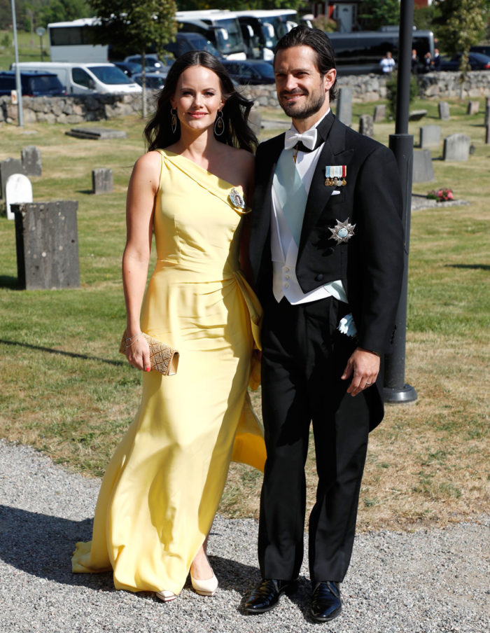 33a91272e236 Prinsessan Sofia i gul klänning från Ida Lanto.