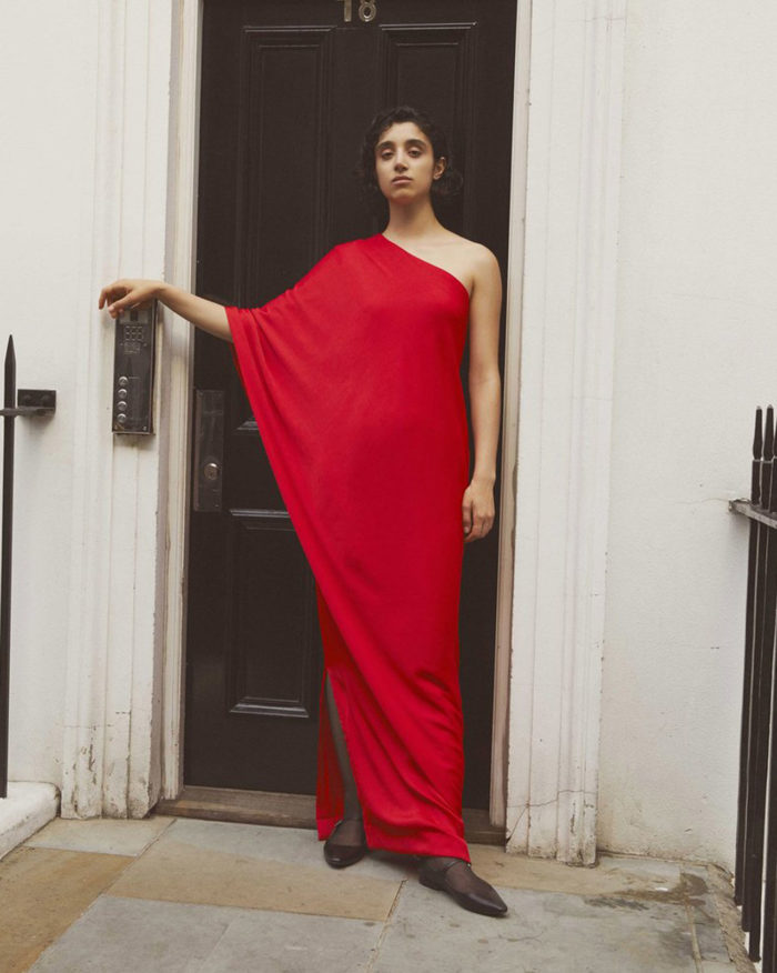 Röd klänning från Stylein.
