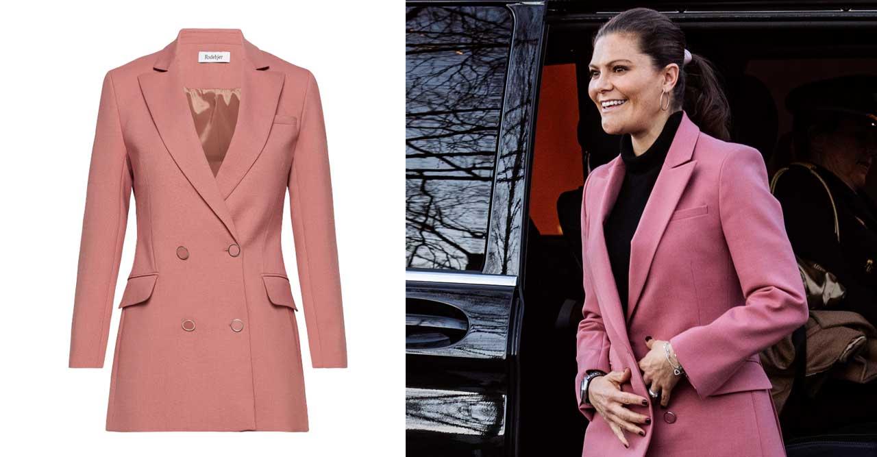 Victoria i ny rosa blazer från Rodebjer