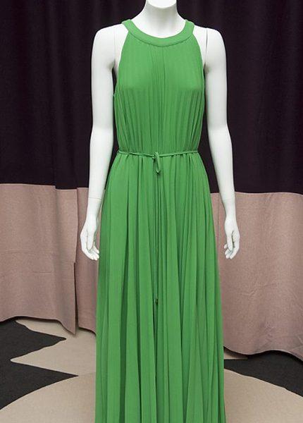 Kolla in Marys klänningar