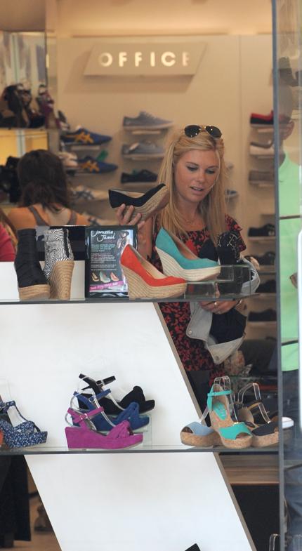 Chelsy Davy satsar på likadana skor som Kate