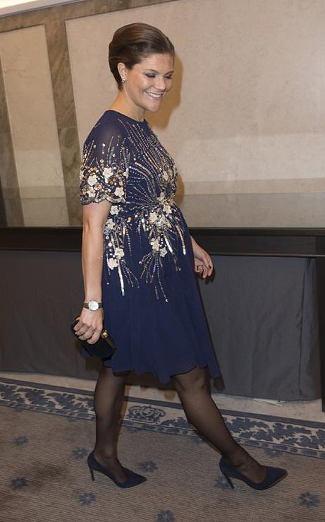 Här lånar kronprinsessan Victoria ut sina gravidkläder - igen