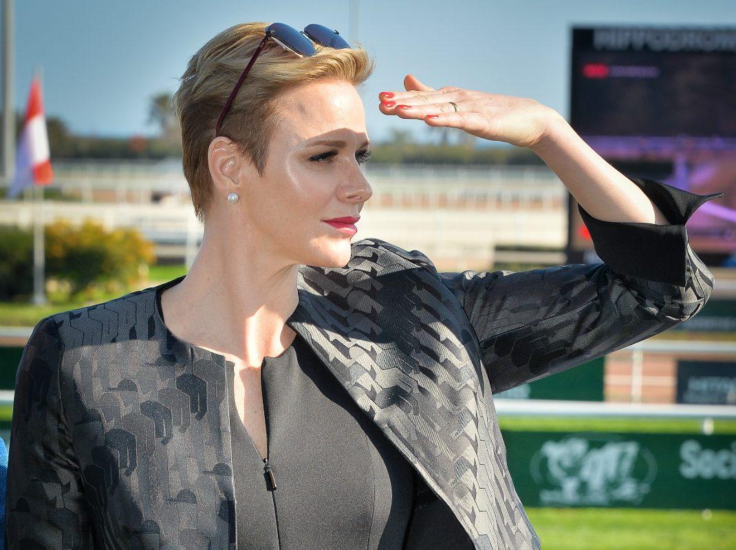 Charlenes jacka och byxdress