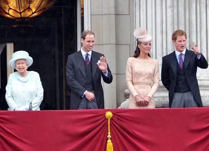 Kates beiga klänning...