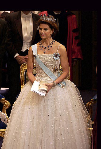 Madeleine bar Silvias klänning